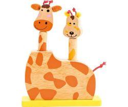 Dětská dřevěná hra skákací žirafí hlavy Small Foot
