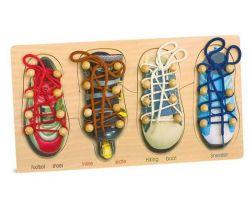 Motorická hra na provlékání Small Foot Zavazování tkaniček